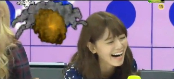 sooyoung laughing at radio star